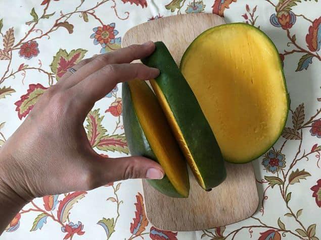Cómo cortar mango de forma limpia y bonita