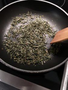 Cómo hacer hojicha, té tostado japonés