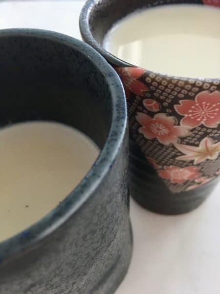 Dos formas de hacer Houjicha latte